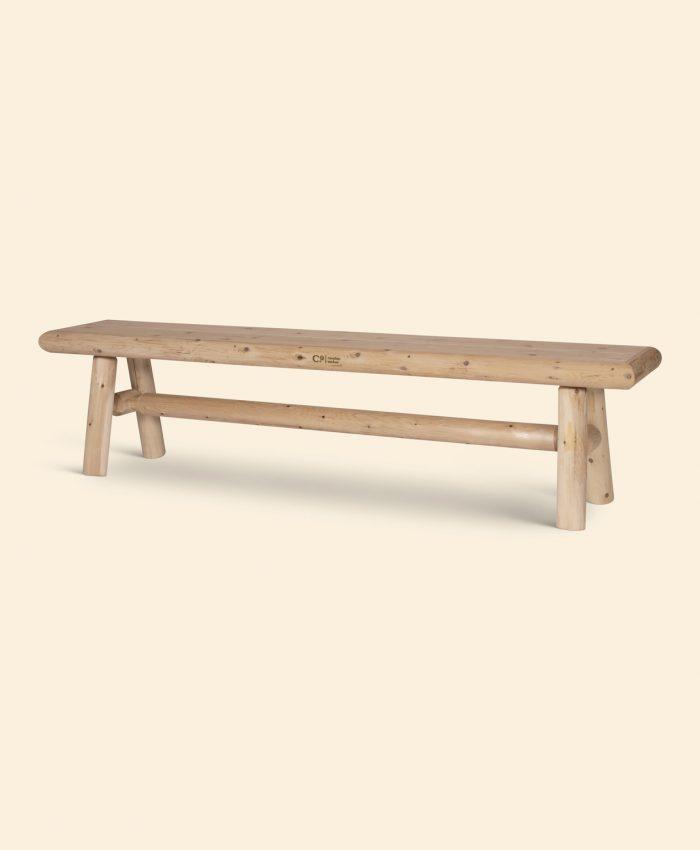Solid, lett og lang hagebenk. Med denne benken er det bare å ta plass og nyte selskapet ute, sammen med familie og venner. Laget i sedertre som betyr lite vedlikehold, og kan stå ute ubehandlet. Får en naturlig og vakker sølvgrå farge med tiden. <ul> <li>håndlaget i sedertre</li> <li>183 cm lang. 46 cm høy</li> <li>vedlikeholdsvennlig</li> <li>robust og solid benk</li> <li>lang levetid</li> <li>rask og enkel montering</li> <li>fra canadian outdoor</li> </ul> <em><strong>ikke på lager. Sendingsklar i begynnelsen av oktober. </strong></em>